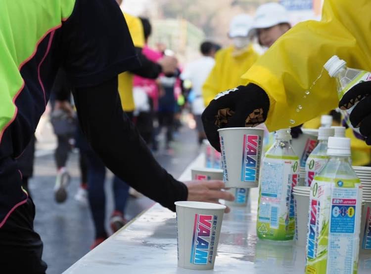 マラソンの給水所