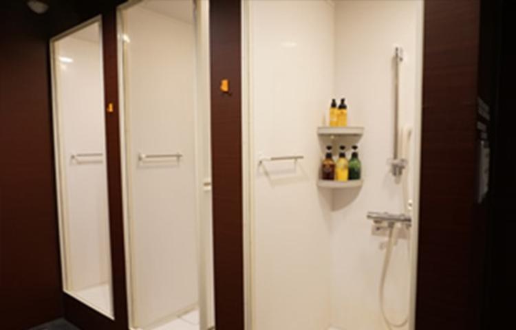 シャワールーム max