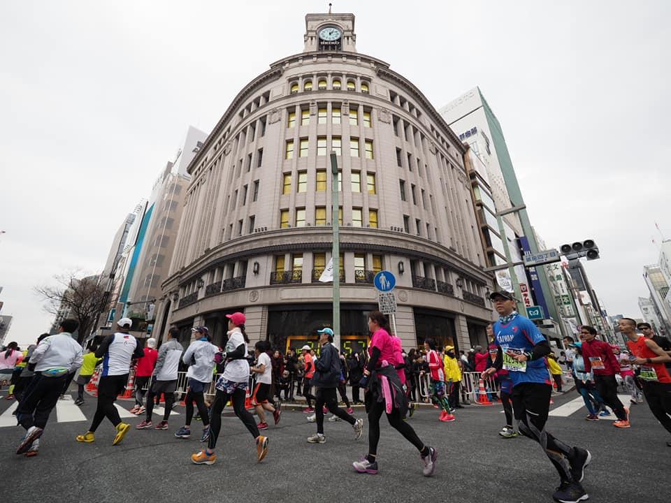 東京マラソンの時の銀座和光本店