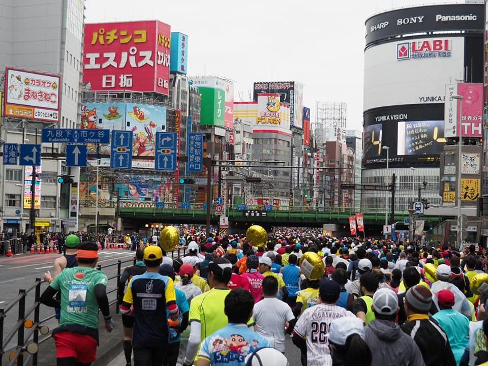 東京マラソンの時の新宿駅